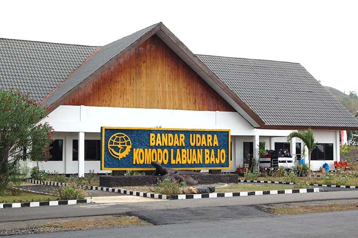 Bandara Labuhan Bajo (baringopi.files.wordpress.com)
