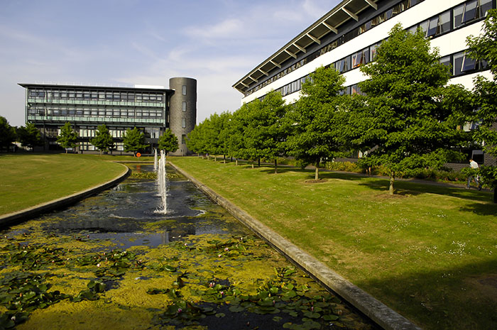 Gedung International Digital Laboratory dan International Institute for Product and Service Innovation di University of Warwick, Inggris (foto-foto: University of Warwick, UK)