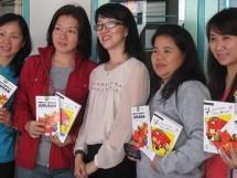 Bersama beberapa orang tua siswa baru SMA Kosayu