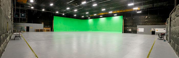 Garson Studio, fasilitas praktik di kampus yang juga dipakai untuk shooting film-film Hollywood terkenal.