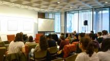 "Clark University - Suasana santai saat diskusi perubahan iklim dan ekonomi dalam ""Climate Change Teach-in"", satu hari berisi pembicaraan, diskusi, dan lokakarya terkait perubahan iklim (foto: Gaia Khairani)"