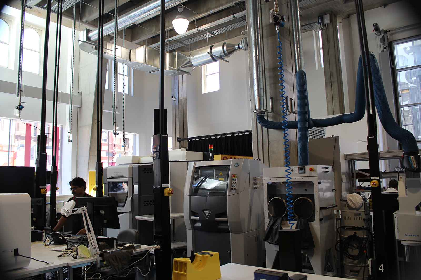 Advanced Manufacturing and Design Centre, University of Swinburne, Australia (foto: jurusanku.com)